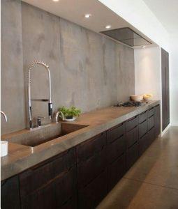 Kleur in de keuken le living for Grijsgroene muur