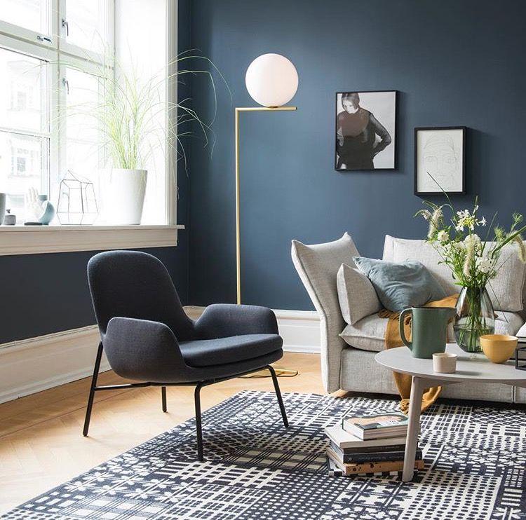 Donkerblauwe muur